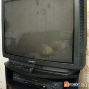 Продается цветной телевизор Sony Trinitron KV-29X1R.