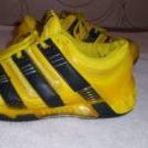 Продам оригинальные кроссовки ADIDAS STABIL